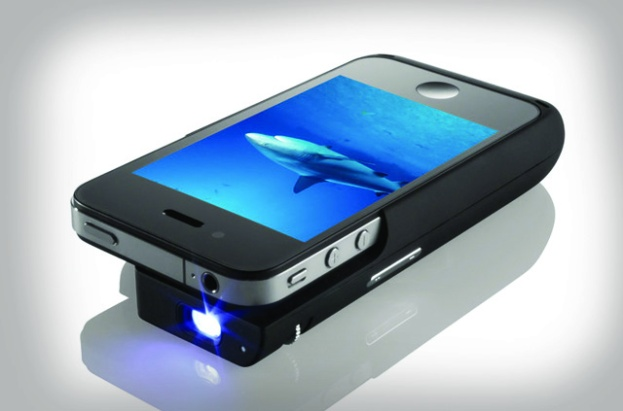 Iphone pocket projector blades magazine for Best portable projector for iphone